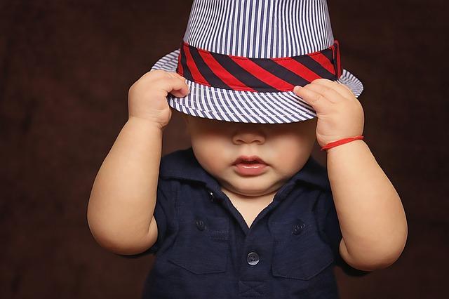 Kiedy dziecko zaczyna widzieć?